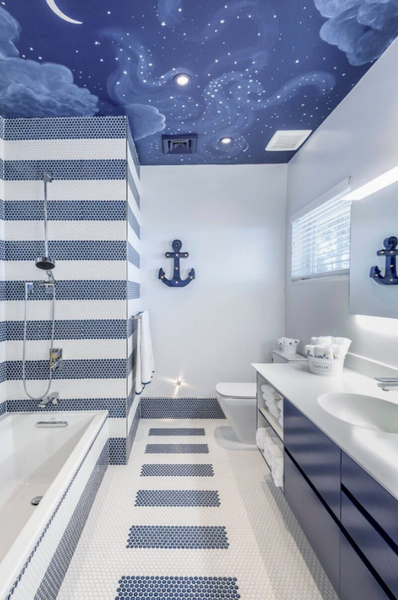Звездное небо в ванной