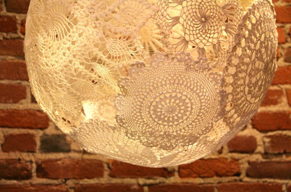 Лампа из салфеток. Уникальный дизайнерский предмет для вашего дома.