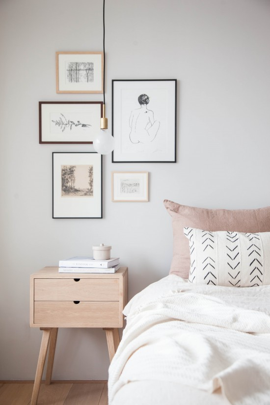 картины и репродукции в спальне